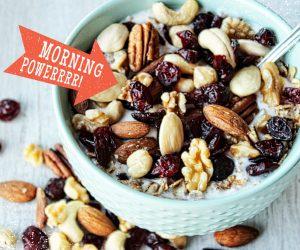Lekkere ontbijt notenmix met cranberries en pompoenpitten
